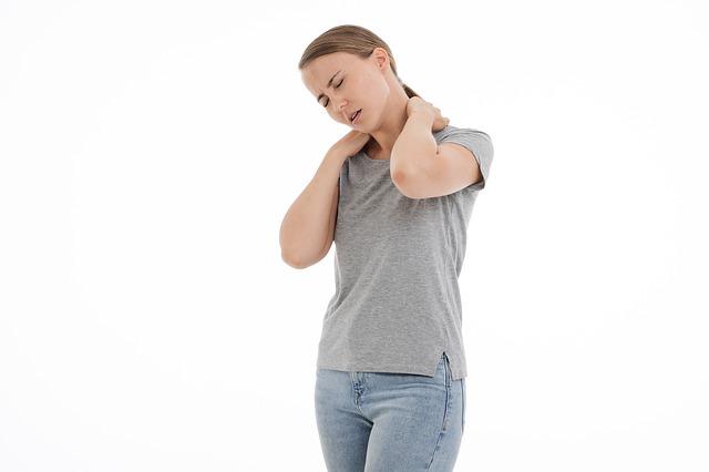 wat te doen tegen stijve nek
